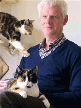 British anthrozoologist John Bradshaw, author of Cat Sense
