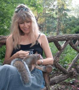 Julie, friend of animals and pet sitter extraordinaire.